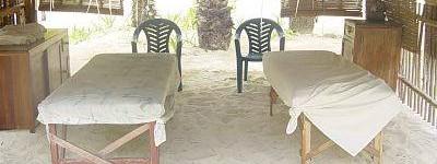 http://www.alexonthebeach.com/wp-content/uploads/2011/02/massage-13-400x150.jpg